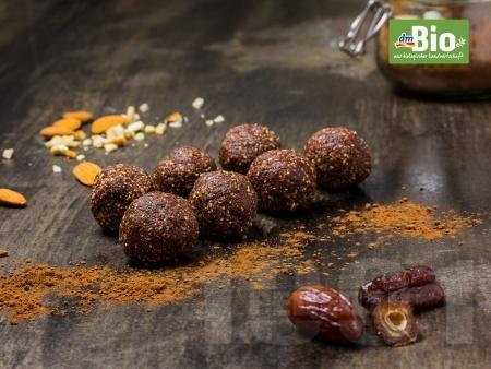 Веган лешникови бонбони - снимка на рецептата